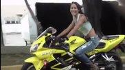 Най-готините Секси момичета с Мотоциклети