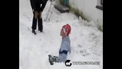 Така не се чисти сняг!