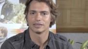 """Carlos Baute - Carlos Baute habla sobre el tema """"Cuando tu no estas"""" (Оfficial video)"""