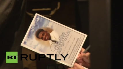 USA: Thousands mourn Texas teen shot dead by police