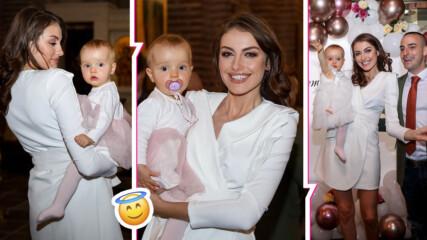 Едно от най-стилните БГ звездни семейства със специален повод: кръстиха дъщеря си
