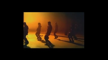 Интро към видеото на Джъстин Бийбър към Confident. Премиерният С К О Р О ! ;3