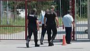 """Полицаи и синдик Дора Милева са на """"Армията"""""""