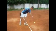 Селяни имитират известни тенисисти :d