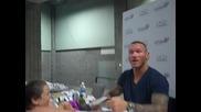 2012 Момиче се запознава с Randy Orton