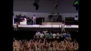 Queen - Bohemian Rhapsody, Radio Gaga, Crazy Little Thing Called Love (1985, на живо от Live aid)