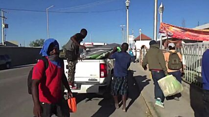 Mexico: Ciudad Acuna migrants relocated from makeshift camp