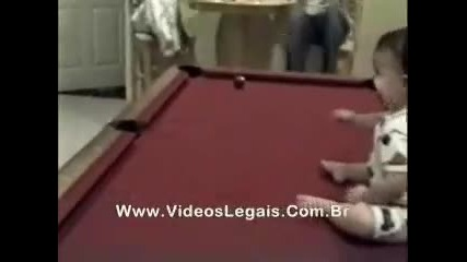 Най - доброто бебе играч на билярд (смях)