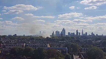 UK: Huge fire breaks out at leisure centre in London