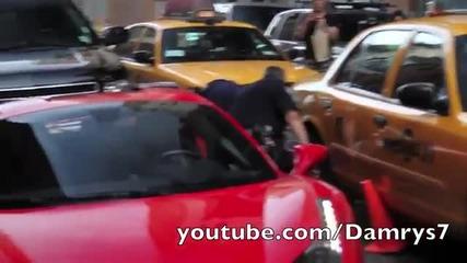 В Сащ полицията не се шегува! Изхвърлиха шофьора от Ferrari!