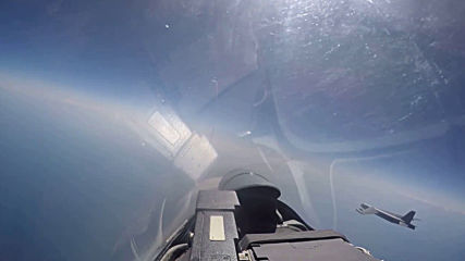 At Sea: Russian Su-27 jet intercepts US long-range strategic bomber over Baltic Sea