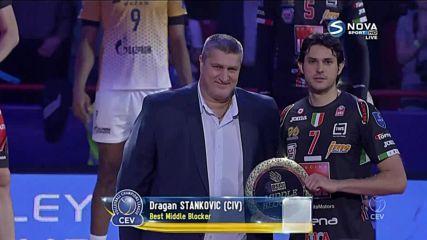 Любо Ганев раздава награди след финала в ШЛ