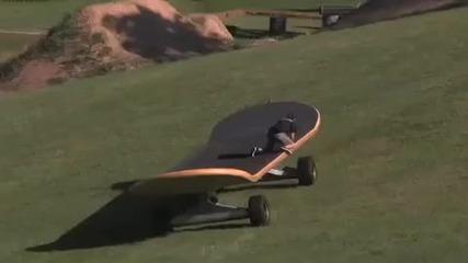 Най - големия скейтборд в света за повече от 10 човека