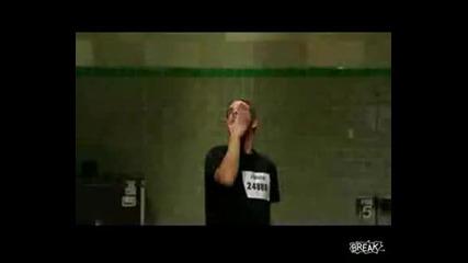 Изумителен извънземен танц.гледай го няма да съжаляваж , Заслужава си !!!