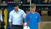 Треньорът на Германия се бъзика с момче