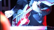 Mark Ronson and The Business Intl - Somebody to Love Me (live)