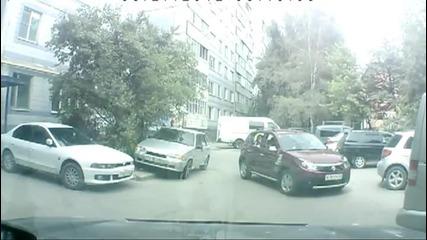 Жена зад волана - ужас !