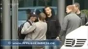 Justin Bieber се блъска във врата на хотел xd