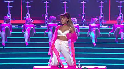 Превод! Ariana Grande - Side To Side ft Nicki Minaj [ Live from the Vma's 2016]