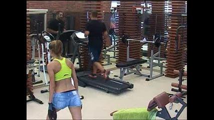 Аксиния спортува здраво във фитнеса - Vip Brother