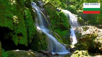 Крушунски водопади - където листата танцуват с водата