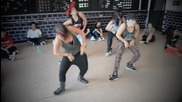 Тези танцуват страхотнооо... :p