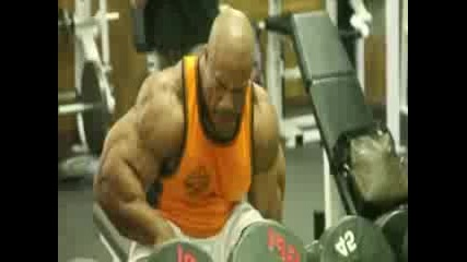 Phil Heath - 4 weeks out 2013 Mr. Olympia