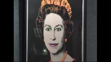 Цветен принт на британската кралица, правен от Анди Уорхол, отива на търг
