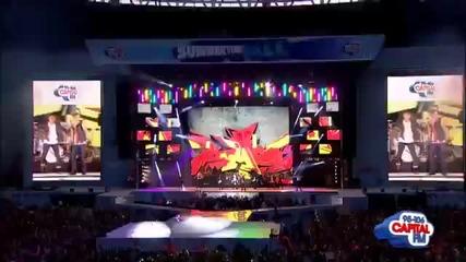 Джъстин изпълнява Baby на Capital Summertime Ball 2012