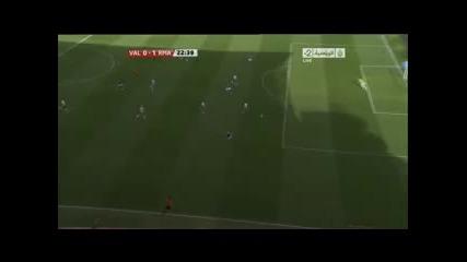 23.04.2011 Валенсия 0-1 Реал Мадрид гол на Карим Бензема