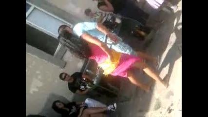 Джейлян от Грудово и Даката от Габрово играят яко кючек