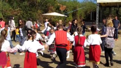 "Фестивал - ""усмихни се ""карин Дом"" - Участие на клуб за народни танци ""перун"" - Право хоро"