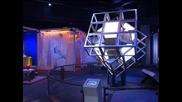 Унгарският изобретател Ерньо Рубик отбеляза в САЩ 40 години от създаването на прочутото си кубче