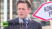 Germany: Anti-NSA protesters demonstrate outside Reichstag as gvmt drops Merkel phone-tapping case