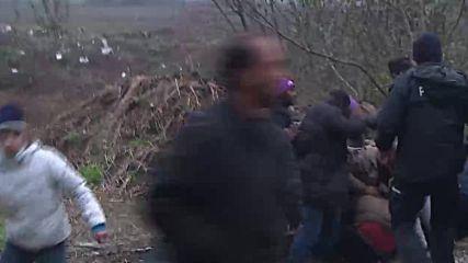 Bosnia and Herzegovina: Mass brawl as migrants resist transport to new centre