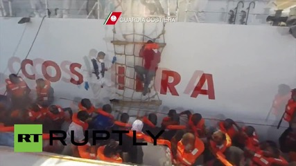 Italy: 4,343 refugees and migrants picked up by Italian Coast Guard in the Med