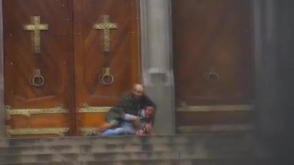 16 + Бездомник загива спасявайки заложничка