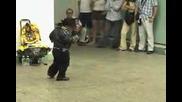 Мини - Michael - Jackson Танцува