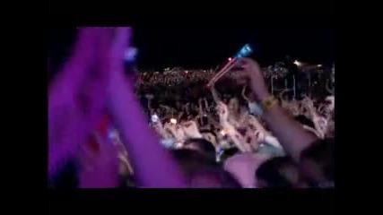 Ще настръхнете от това изпълнение.. Robbie Williams - Angels