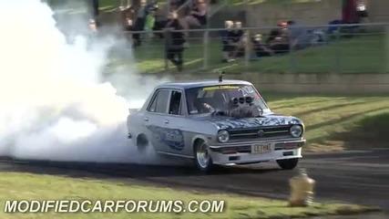 Nissan запалва гумите за секунди
