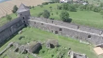 Бзовик - крепостен манастир