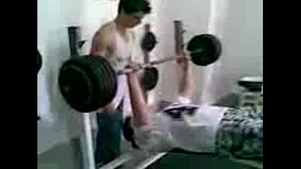 Denny - Vojda (sharky) 132kg.