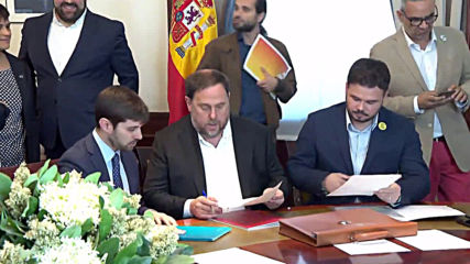 Spain: Jailed Catalan separatist leaders take up seats in Spanish parliament