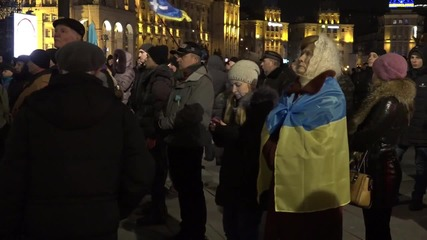 Ukraine: Right Sector pitch tents on Maidan Square
