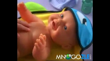 Бебе кукла пикае Смях !!
