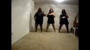 Дебеланки танцуват...