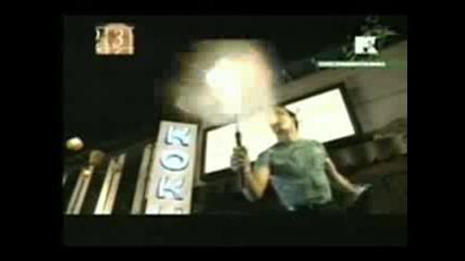 Превод - Enrique Iglesias - Rythm Divine