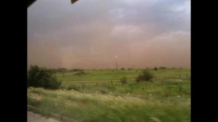 Буря покри град в България