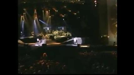 Guns N Roses - Paradise City Live in Paris France, 1992