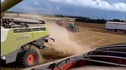 Biggest combine harvesters in the world!